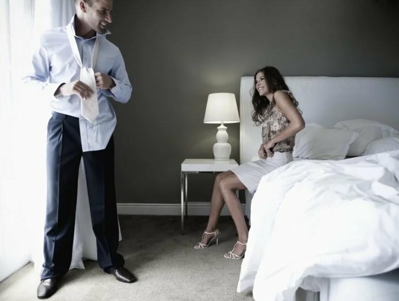 Как мужчина заработал на измене супруги?