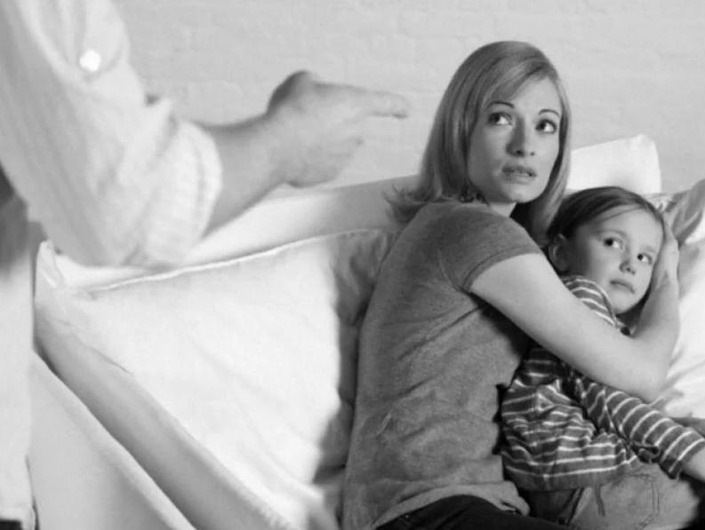 Как защититься от домашнего насилия и не сесть за это?