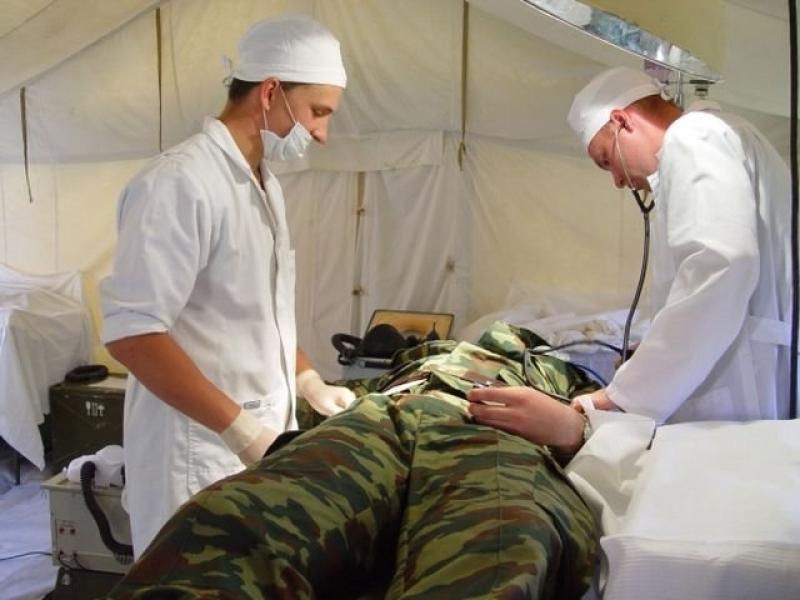 Когда медицинские работники официально стали военнообязанными?